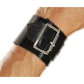 PL 381 - Bracelete Fivela Larga. COURO LEGÍTIMO